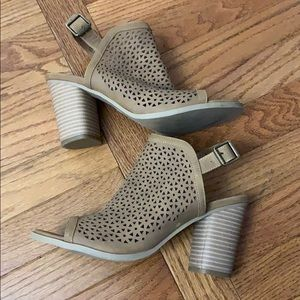 Universal thread shoes